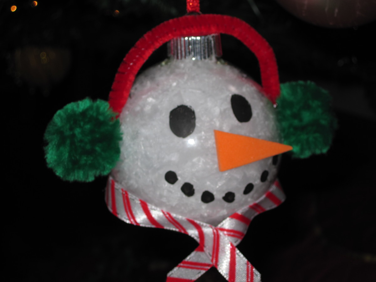 three-easy-christmas-ornaments-to-make-with-clear-glass-balls