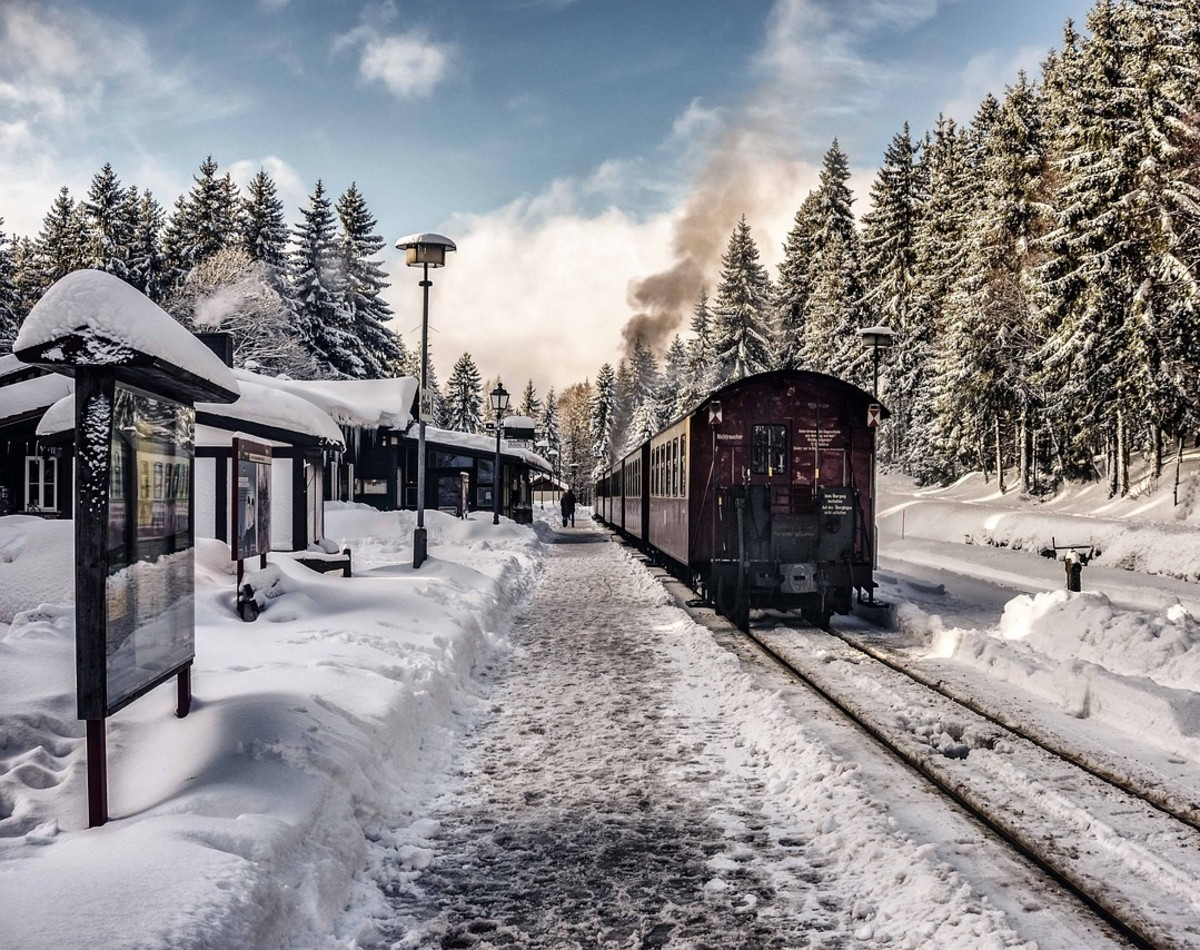 West Virginia and other Appalachian states host special Christmas train excursions for several weeks.