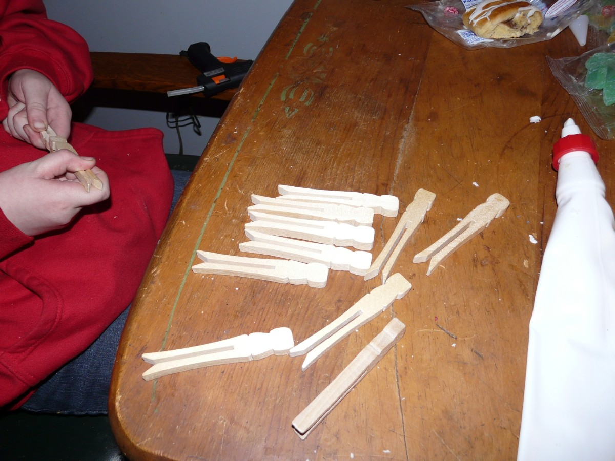 Slotted Wooden Craft Clothespins