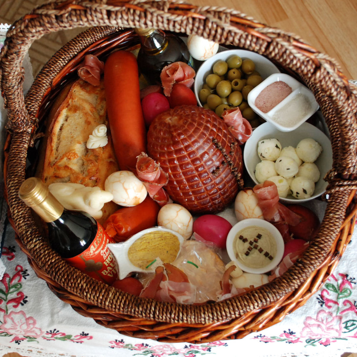 How To Make A Traditional Polish Easter Basket Holidappy