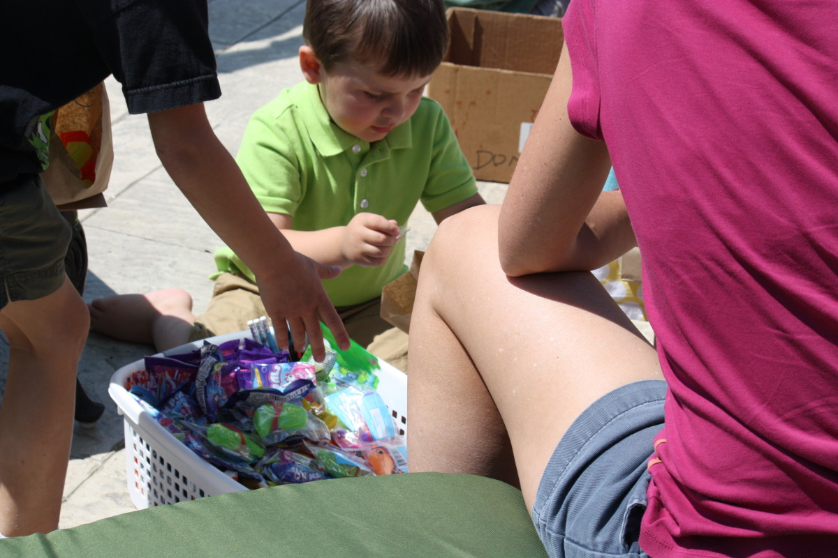 Let kids pick out prizes to fill up their goodie bags.