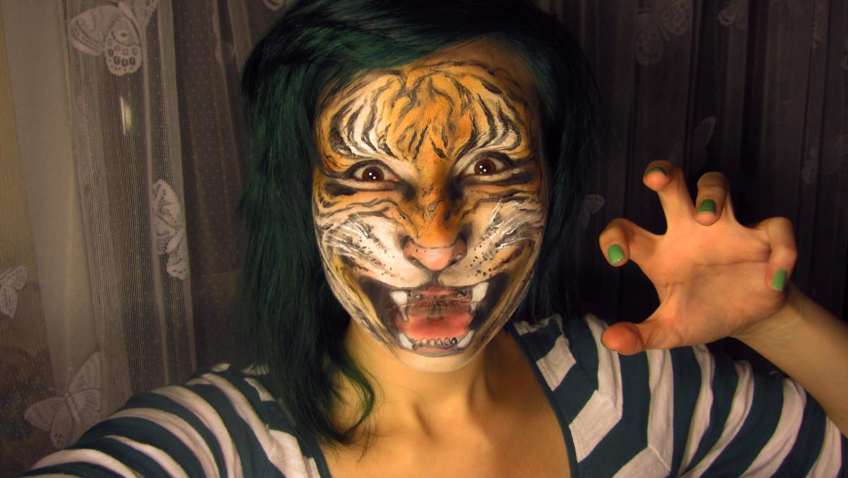 Realistic Tiger... Realistic Tiger Makeup