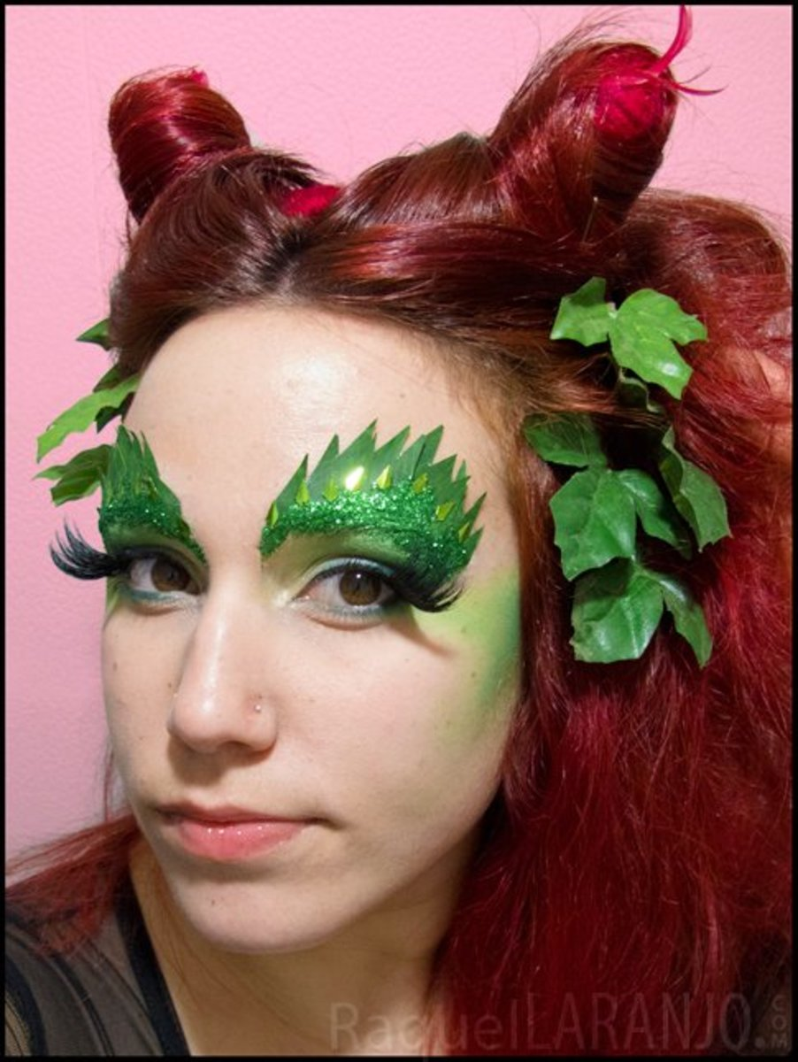 poison ivy makeup with two pointed buns