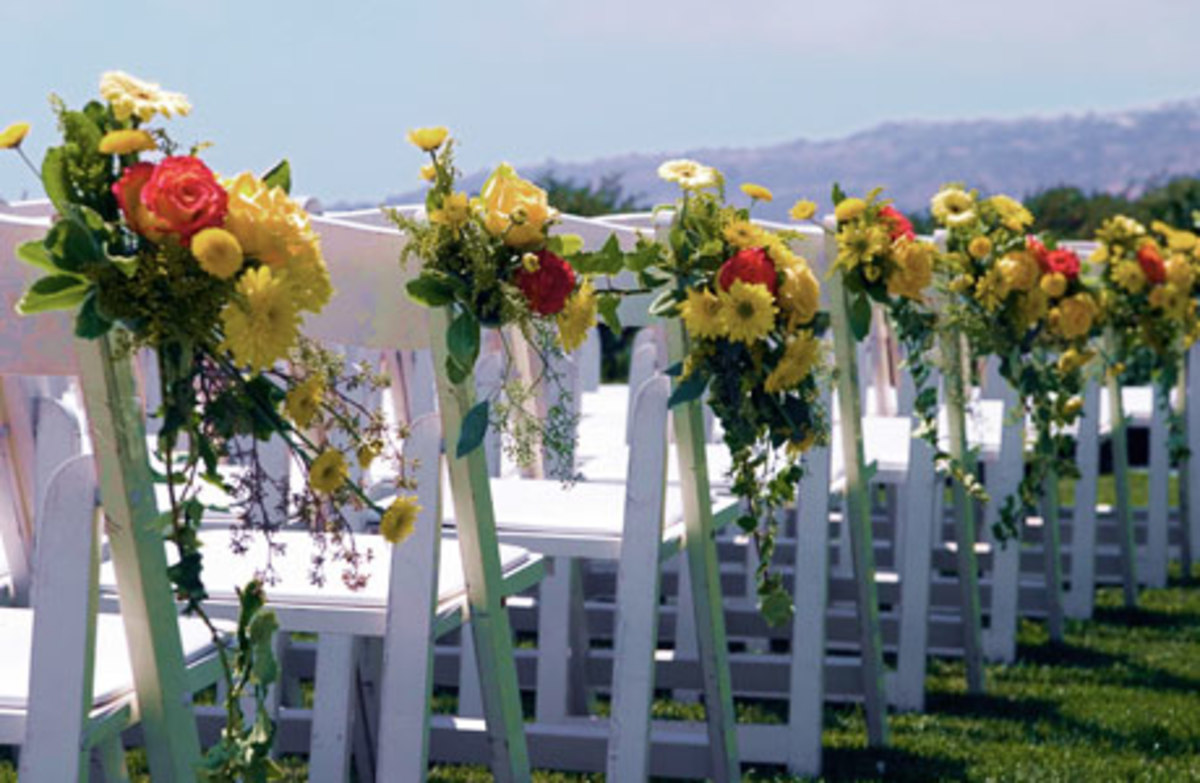 pew-markers-pew-bows-aisle-runners-other-wedding-decor-to-help-you-go-down-the-aisle-in-style