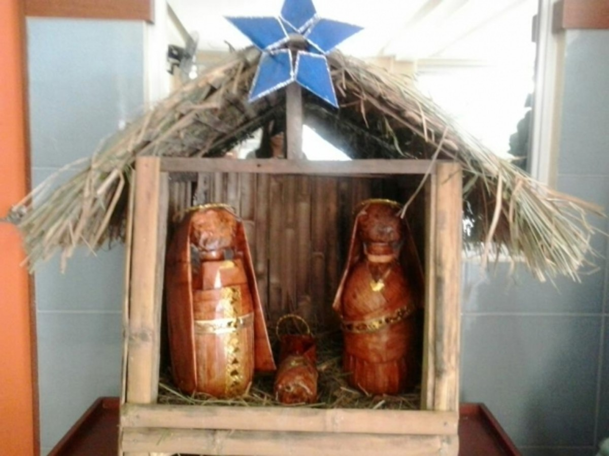Nativity from used newspaper