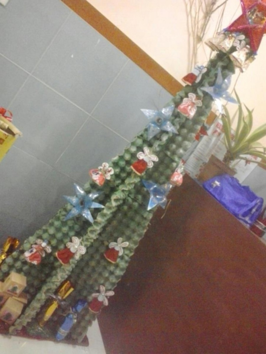 Christmas tree from Egg crates
