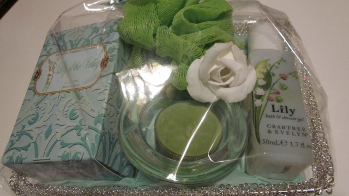 This basket includes green accents with lily-scented bath products.