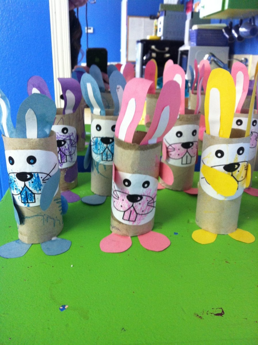 These crafted bunnies are made using toilet paper rolls, construction paper, and crayons.