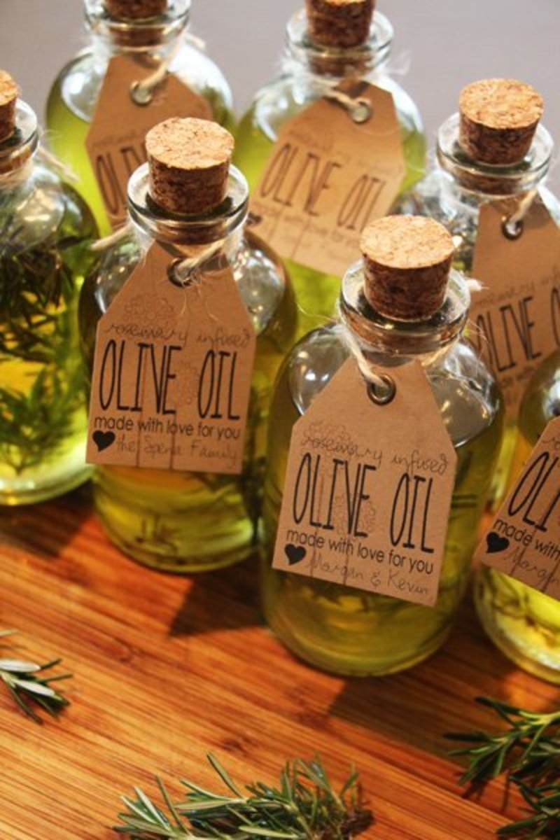 Flavored olive oil is easy to make and a great gift for moms who love to cook.