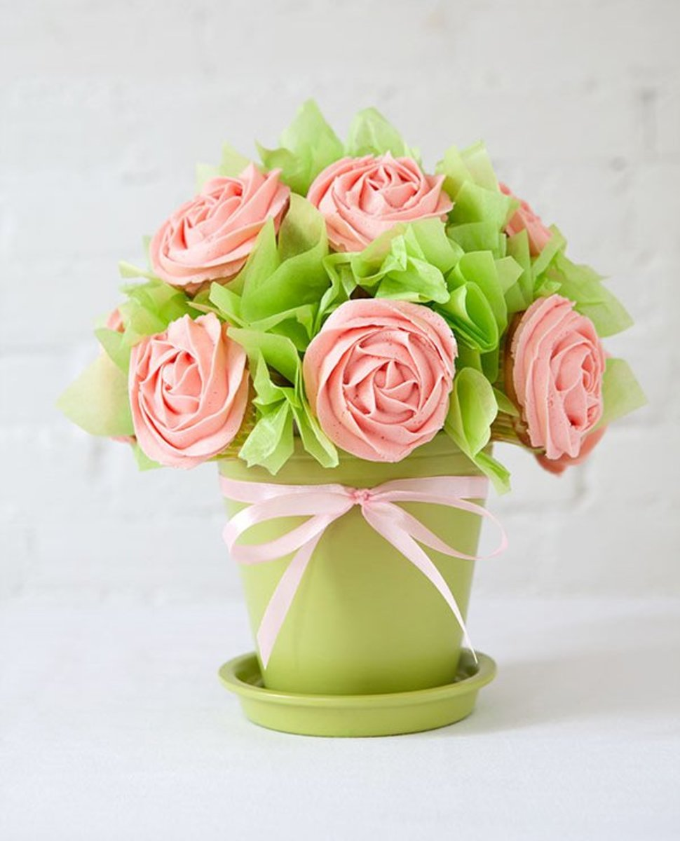 DIY cupcake bouquet for Mother's Day. Easier to make than it looks.