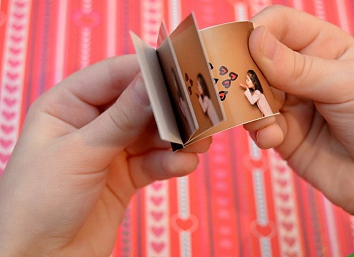 A cute flip-book can be a great alternative to a Father's Day card.