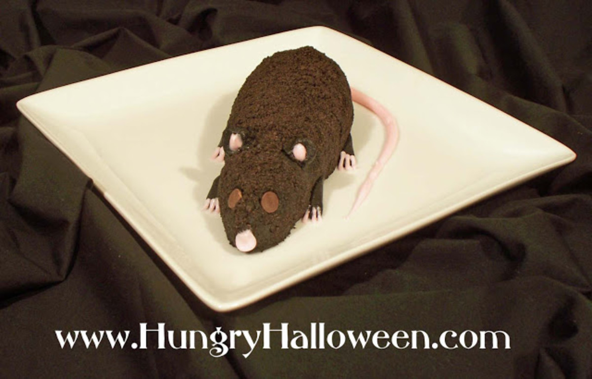 Halloween chocolate and cream cheese long-tail rat from the Hungry Happenings blog
