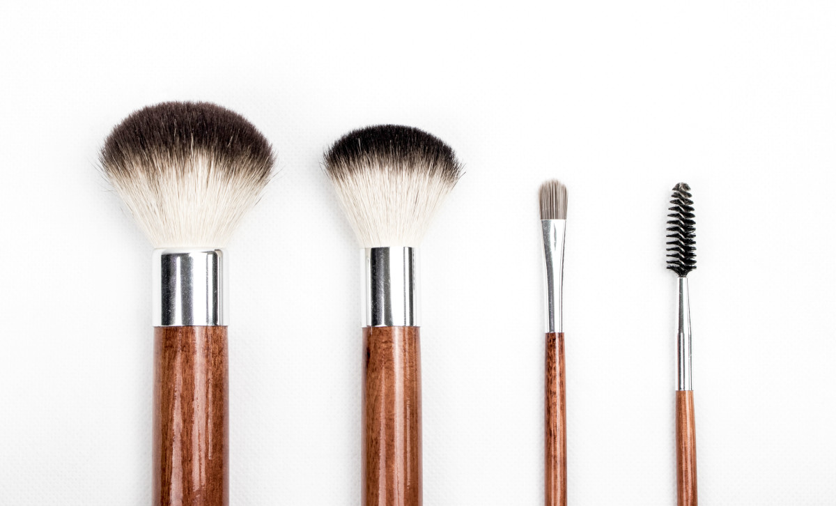 Makeup brushes are a gift that's easier to nail than actual makeup.