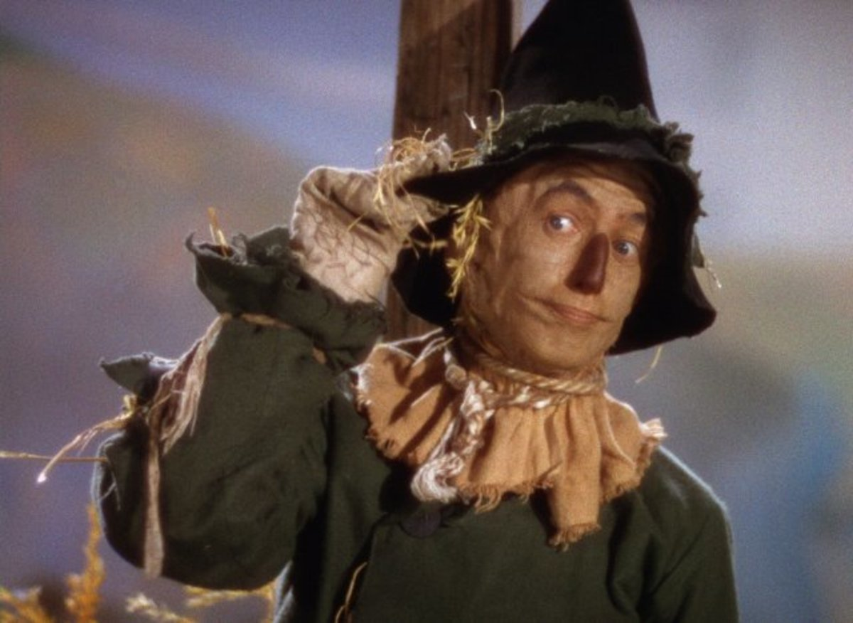 Ray Bolger as Scarecrow