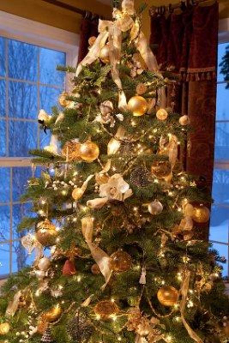 source - How To Decorate A Christmas Tree With Ribbon