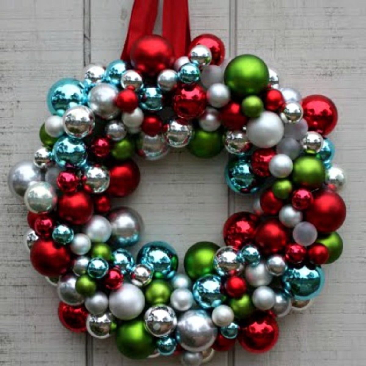 image 5 old glass ball christmas ornament wreath - Christmas Ball Wreath