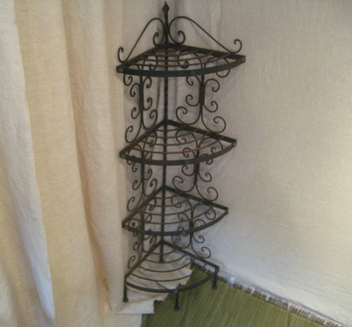 Metal Shelf/Plant Stand