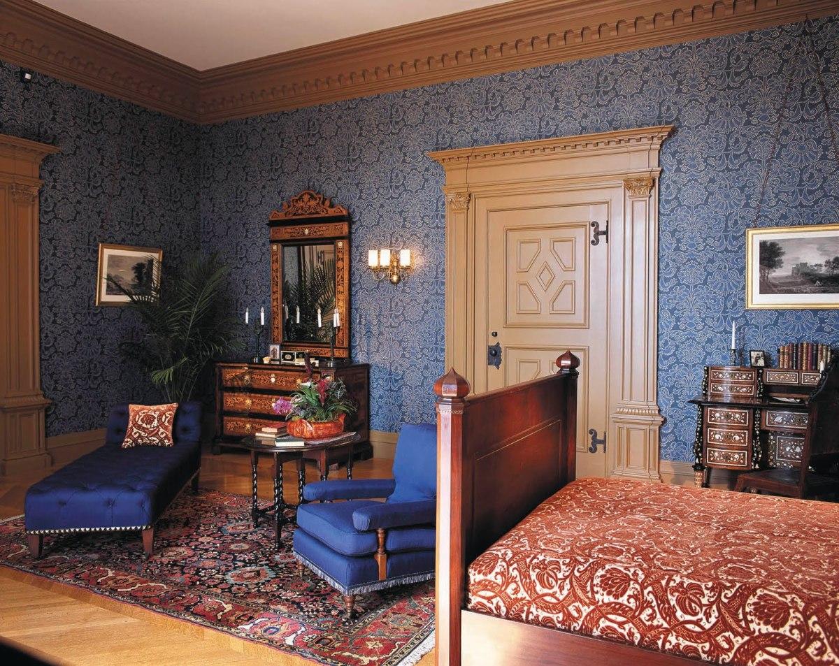 Claude Room