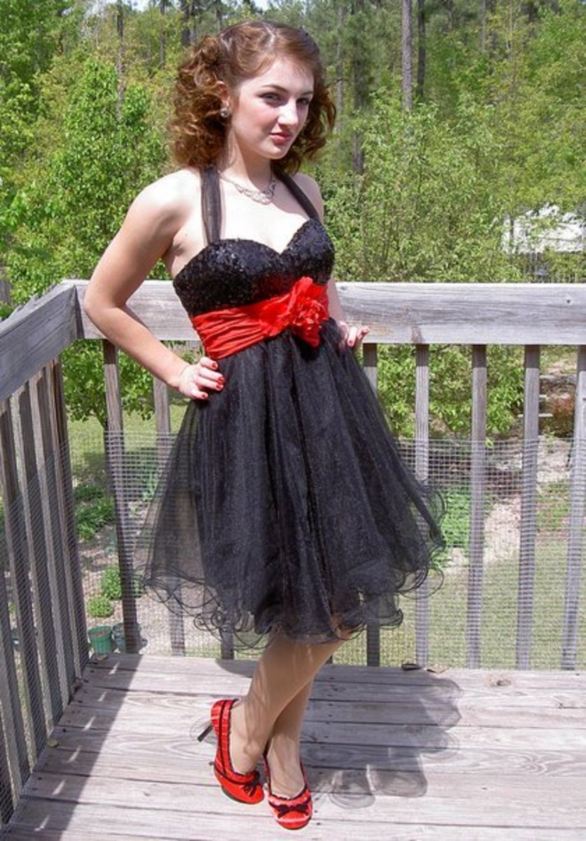 My 1950s party dress.