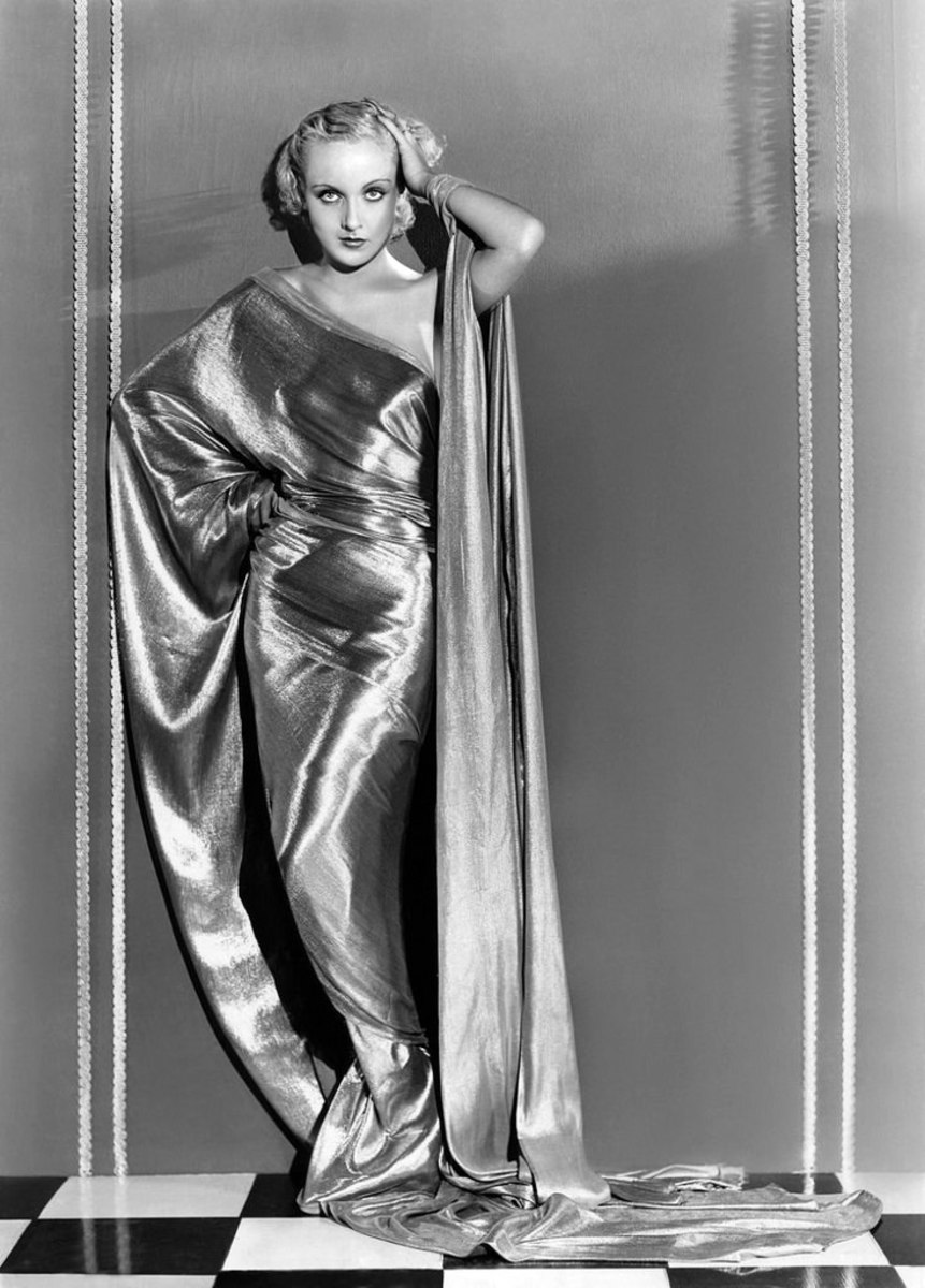 Carole Lombard (public domain).