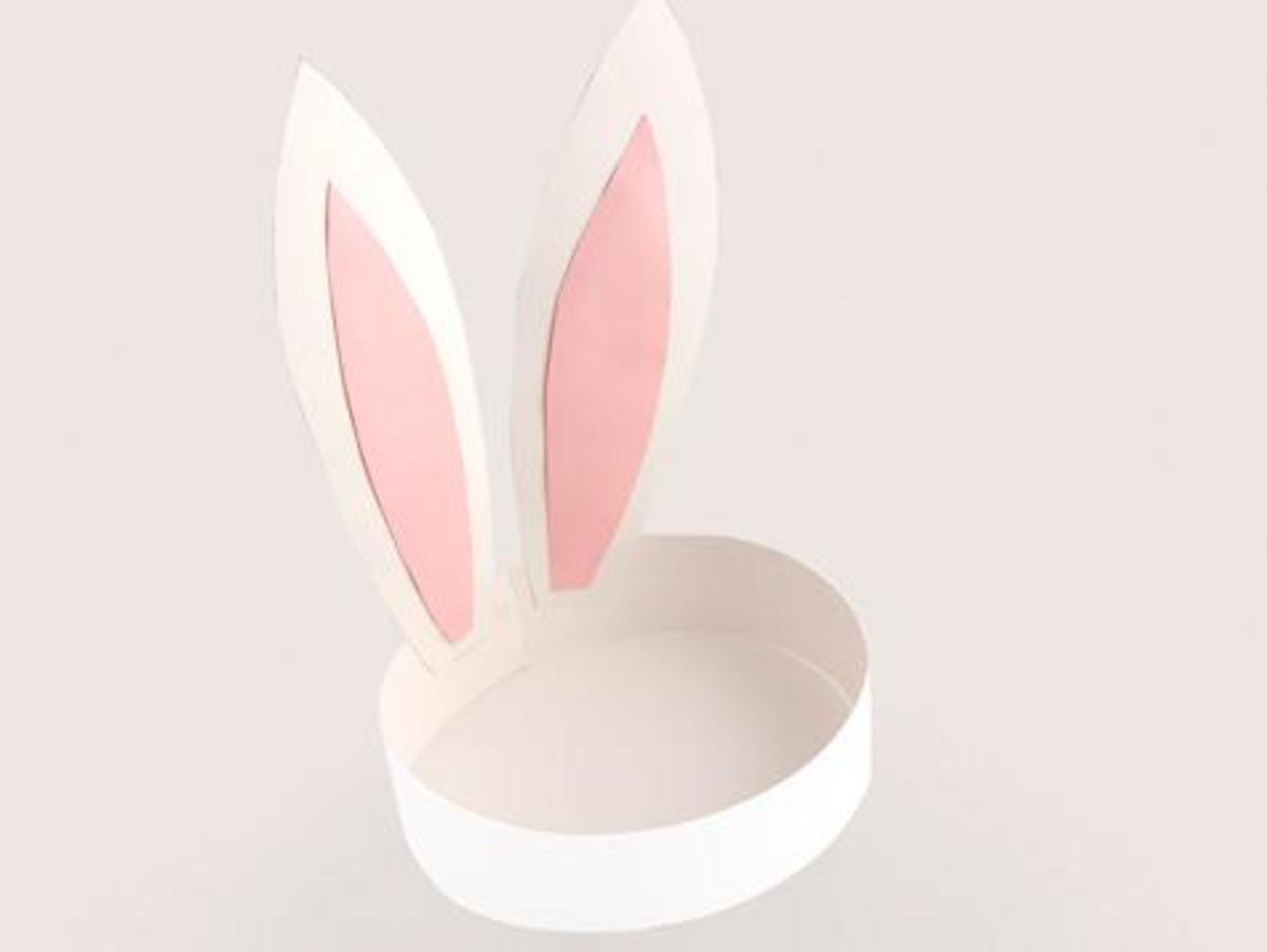 These paper bunny ears are a wearable craft.