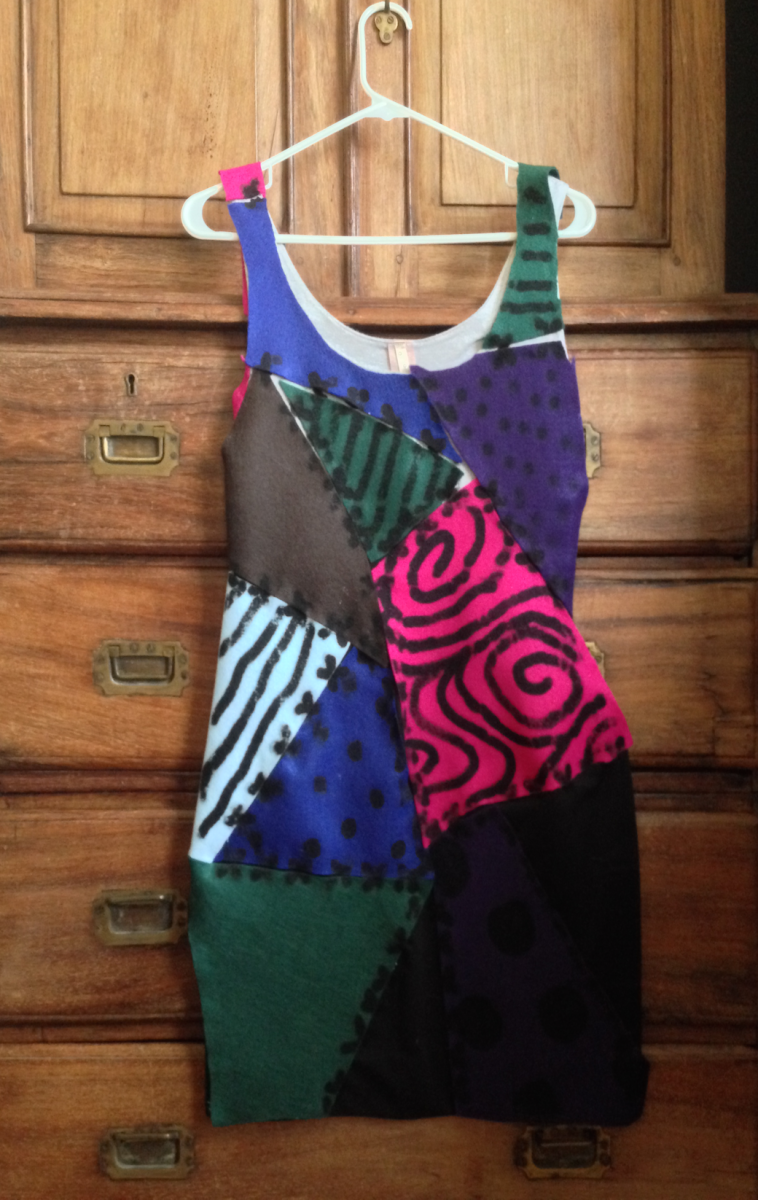 Hang up the dress until the fabric marker dries.