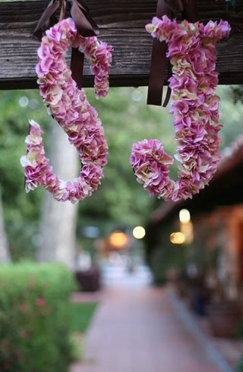 DIY Wedding Table Decoration Ideas   Flower Monogram