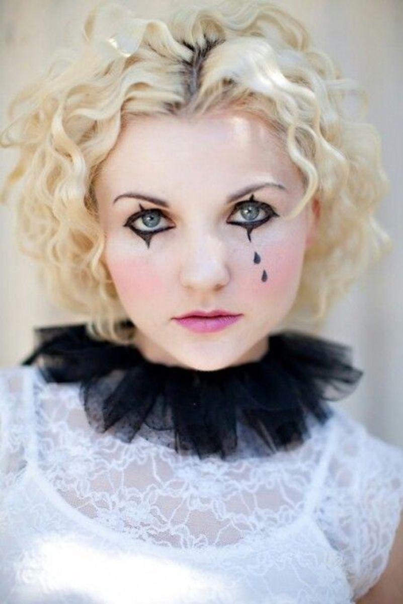 Tearful Harlequin | DIY Halloween Costume Ideas