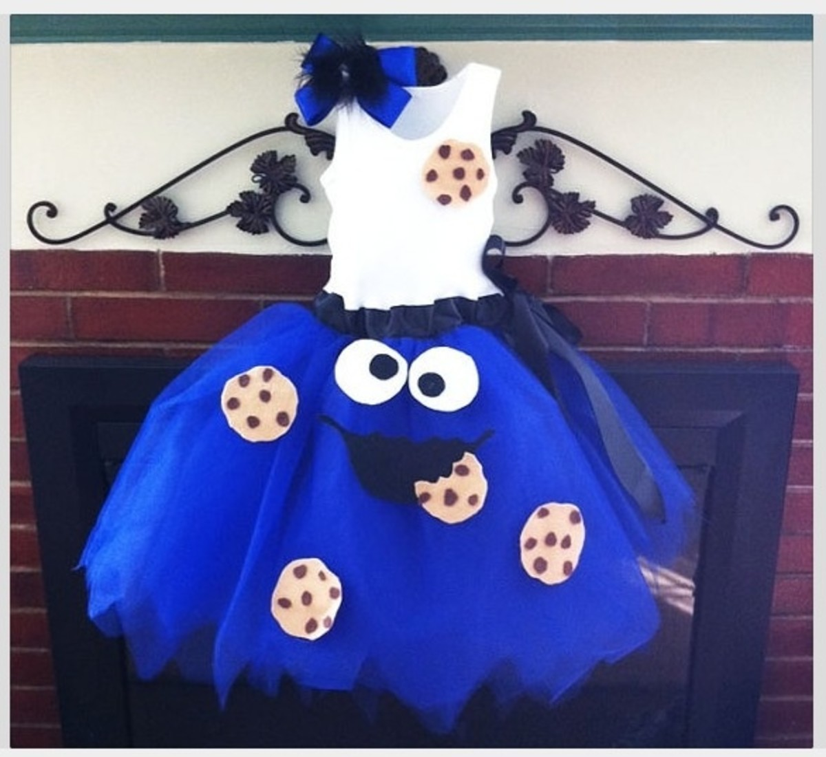 Cookie Monster Dress | DIY Halloween Costume Ideas