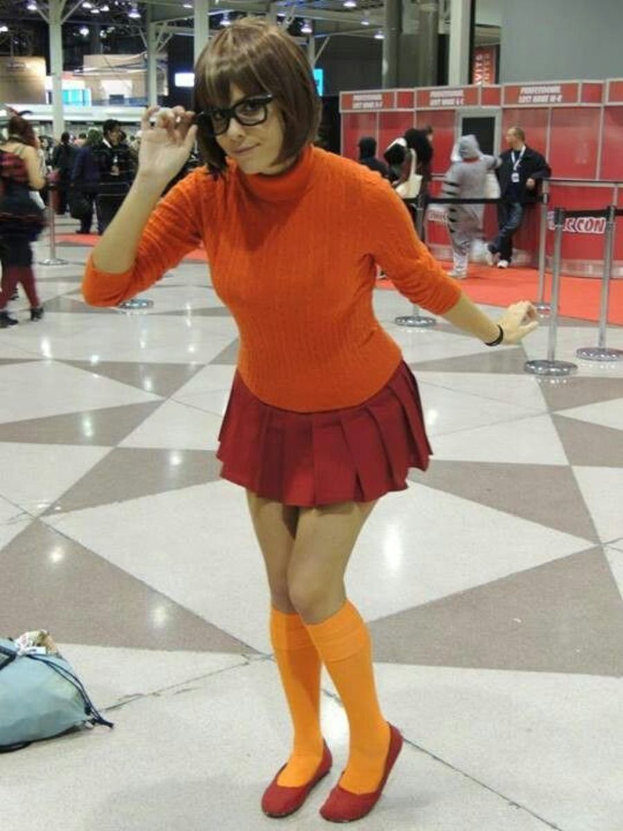 Velma | DIY Halloween Costume Ideas