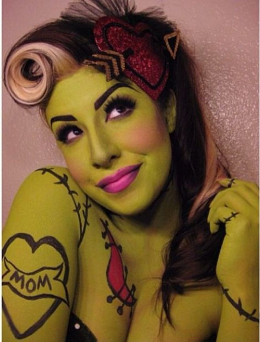 Zombie Pinup | DIY Halloween Costume Ideas