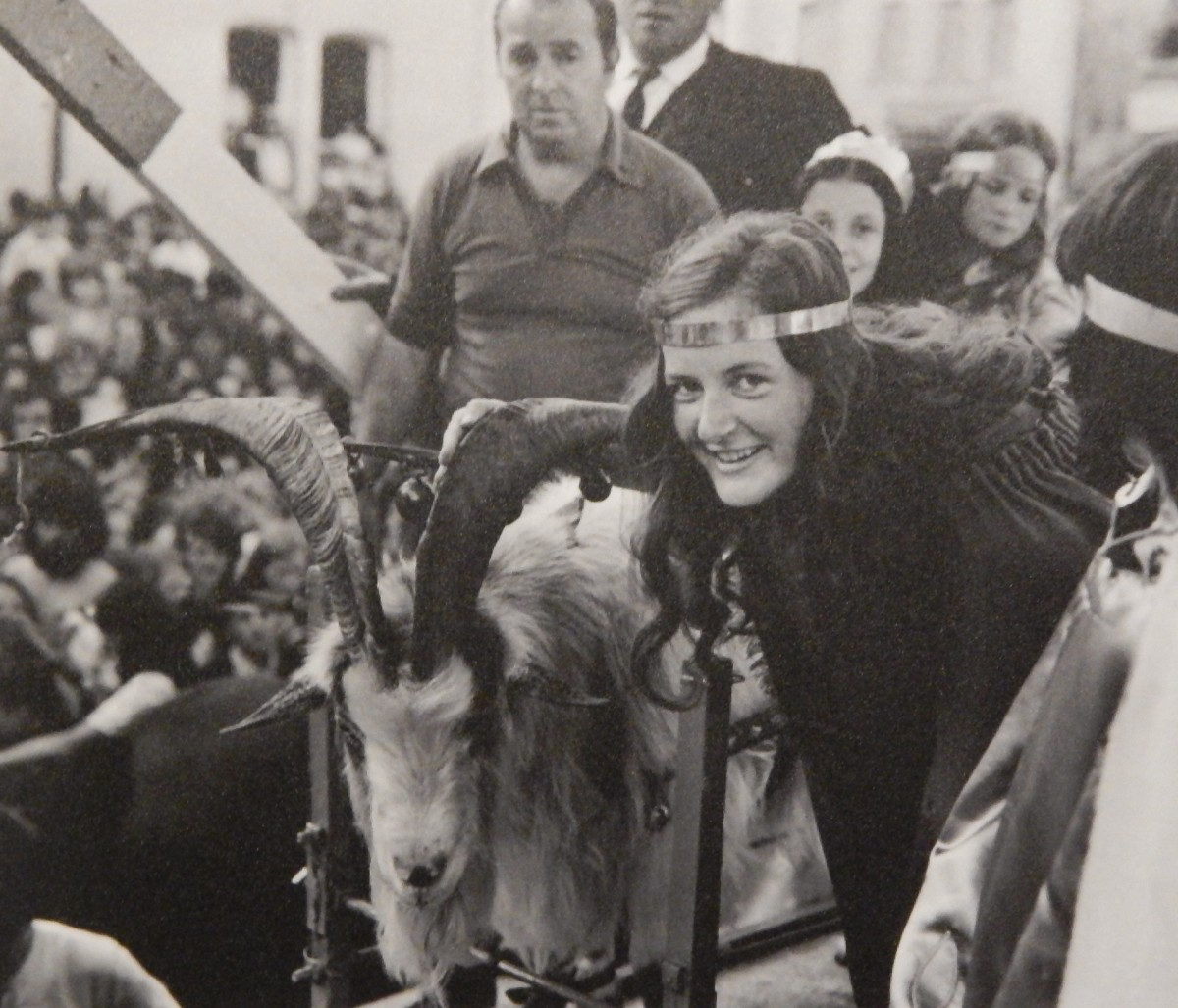 King Puck and his Queen on Scattering Day, 1975