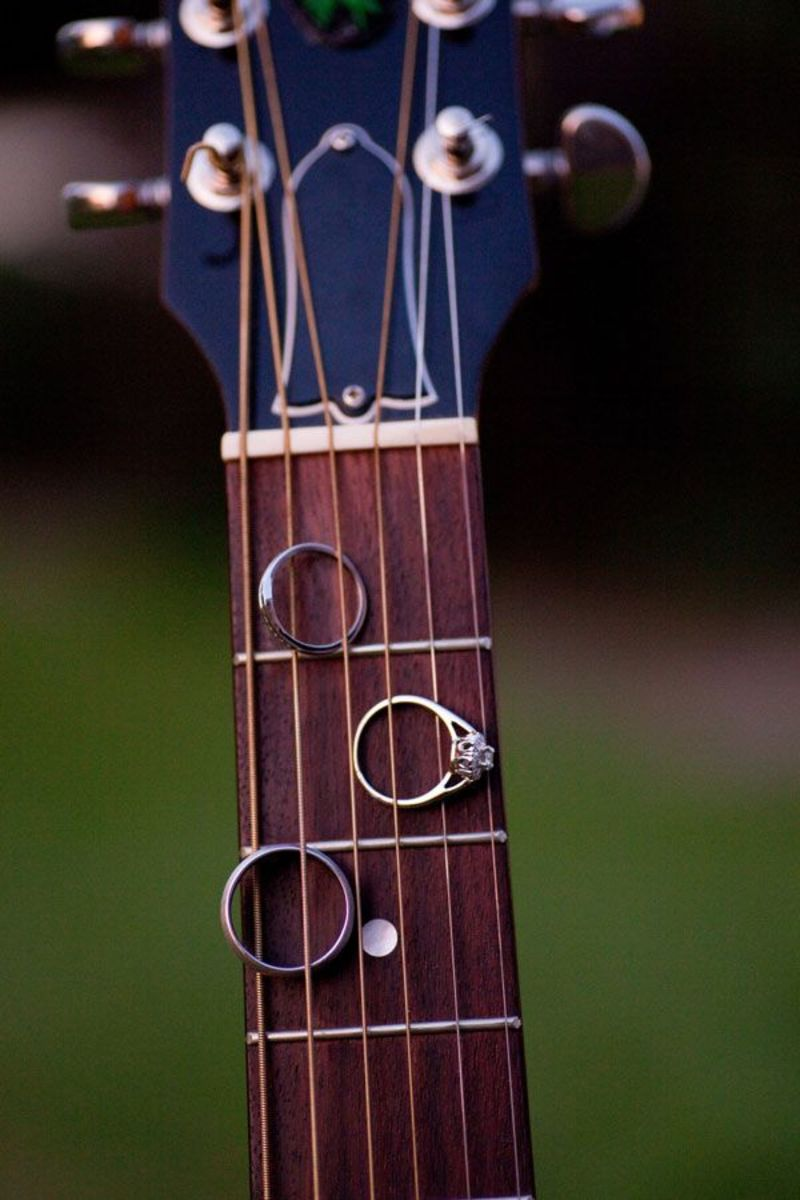 Wedding rings with guitar strings