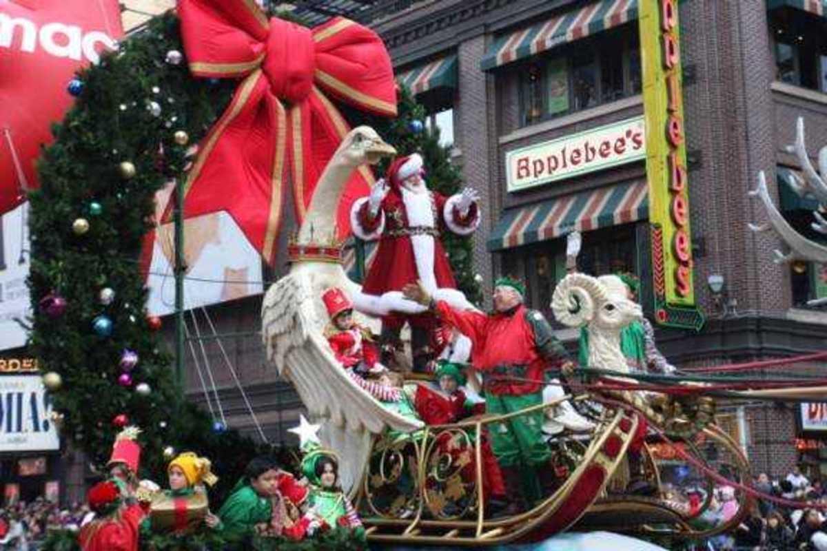 Santa arrives at Macy's via the Macy's Thanksgiving Day Parade.