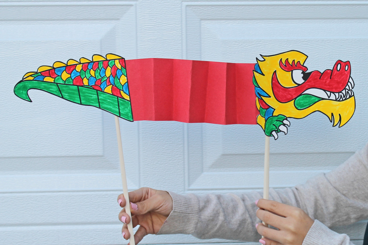 A Chinese New Year Dragon -- link to printable template  Kid Crafts for Chinese New Year