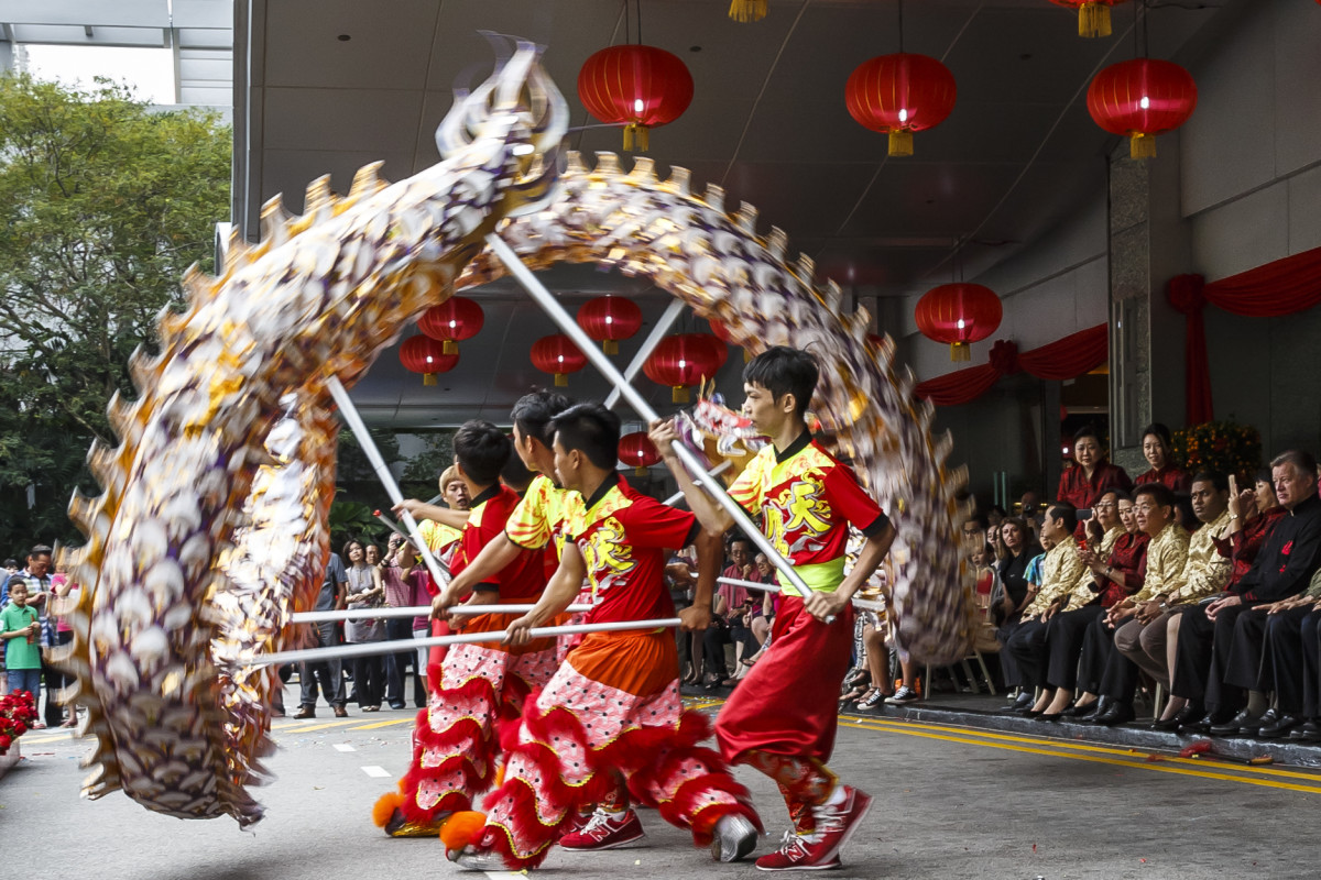 Dancers is Singapore entertain a New Year crowd in 2015