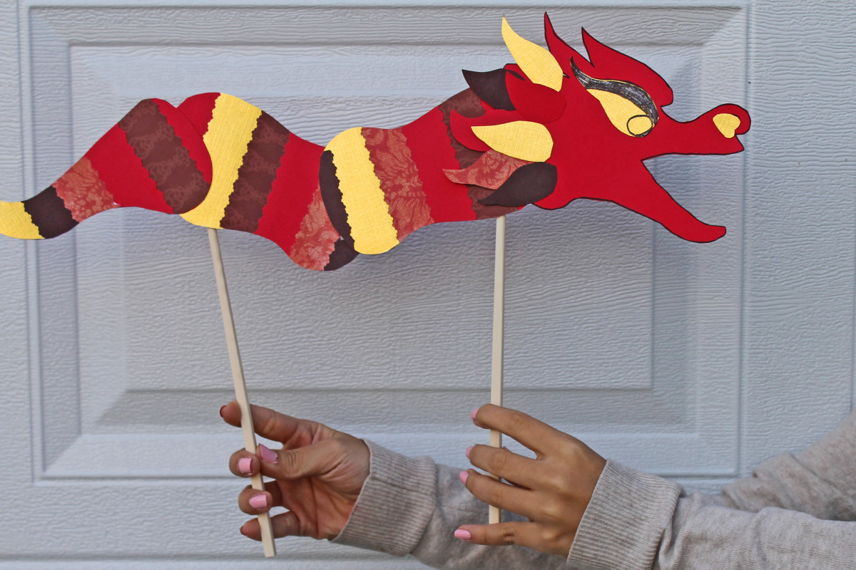 Decorated Chinese Dragon. See link for the printable template from China Family Adventure.  Kid Crafts for Chinese New Year
