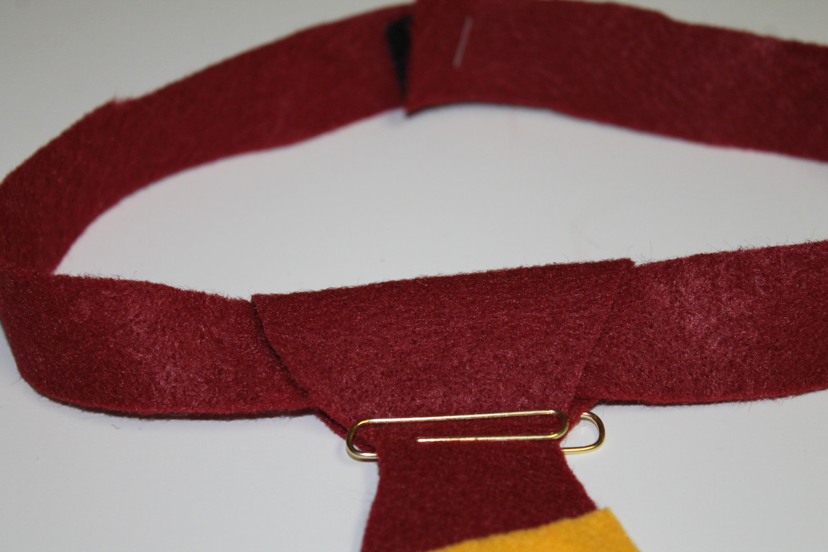 How to Make a No-Sew Harry Potter House Tie:  Instructions