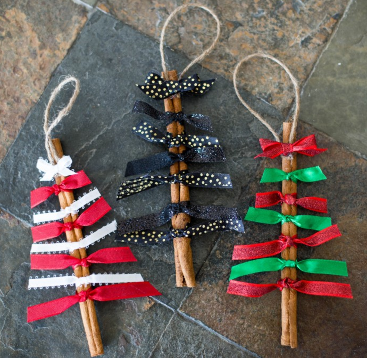 Easy To Make Christmas Decorations.25 Easy To Make Rustic Christmas Ornaments Holidappy Celebrations