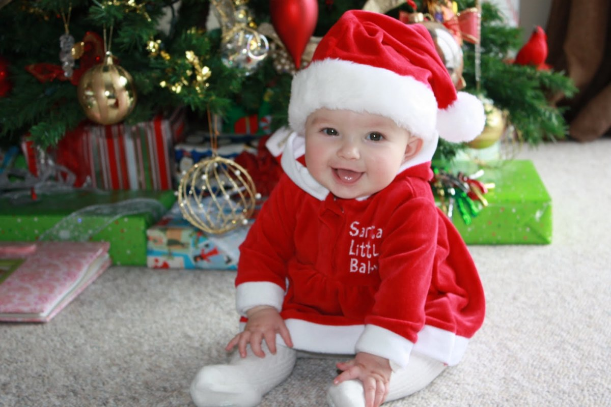 What to Get a Newborn for Christmas? | Holidappy