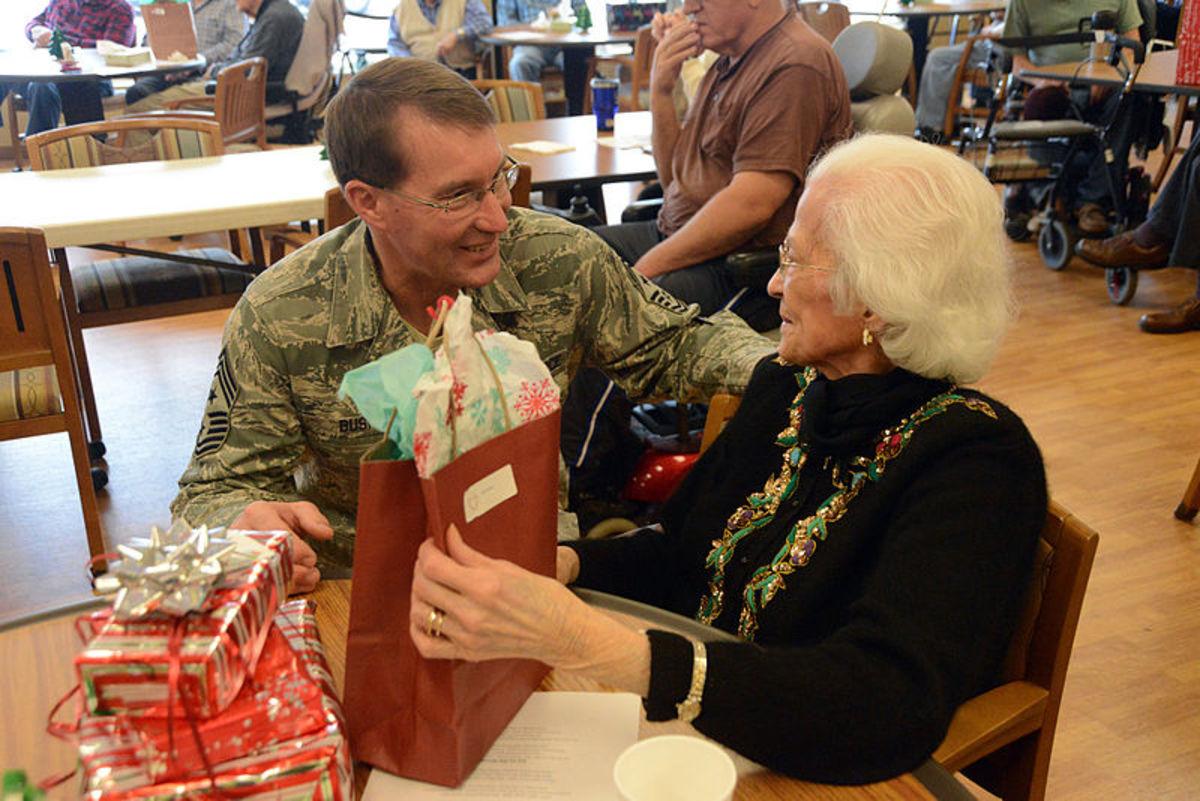 Distributing Gifts to Veterans