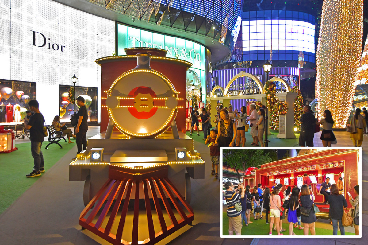 The Ion Orchard Express during Christmas 2017, where shoppers can hop on for a festive ride. One that's complete with animations of European countryside scenery.