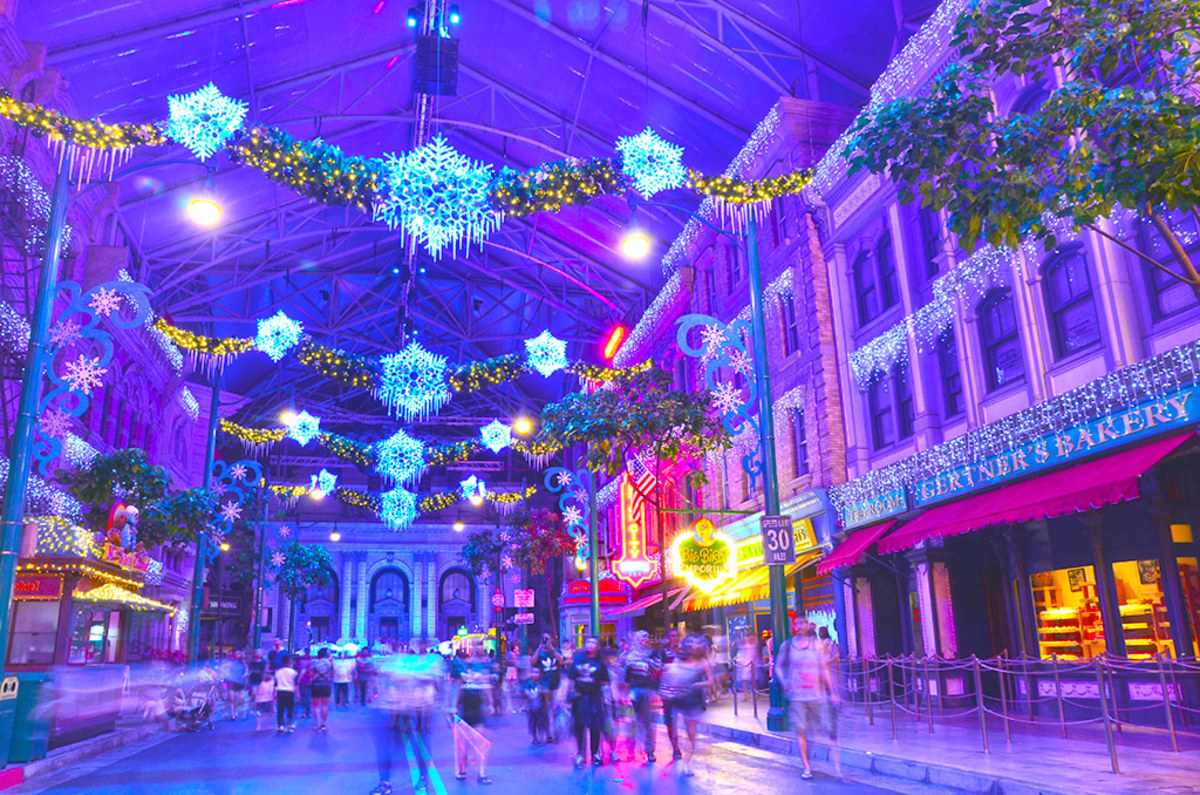 Universal Studios Singapore is, of course, always lavishly decked with festive motifs throughout December.