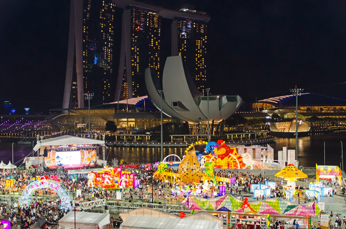 Overview of the fairground, with the famous Marina Bay Sands Integrated Resort in the background.