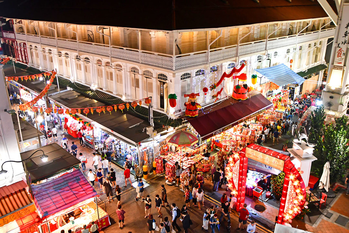 Overview of the festive bazaar. Shown here is also the Chinatown Food Street, where festive shoppers can enjoy all sorts of local delicacies.