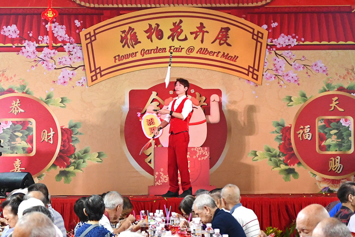 The festive market often hosts community banquets with exciting performances too.