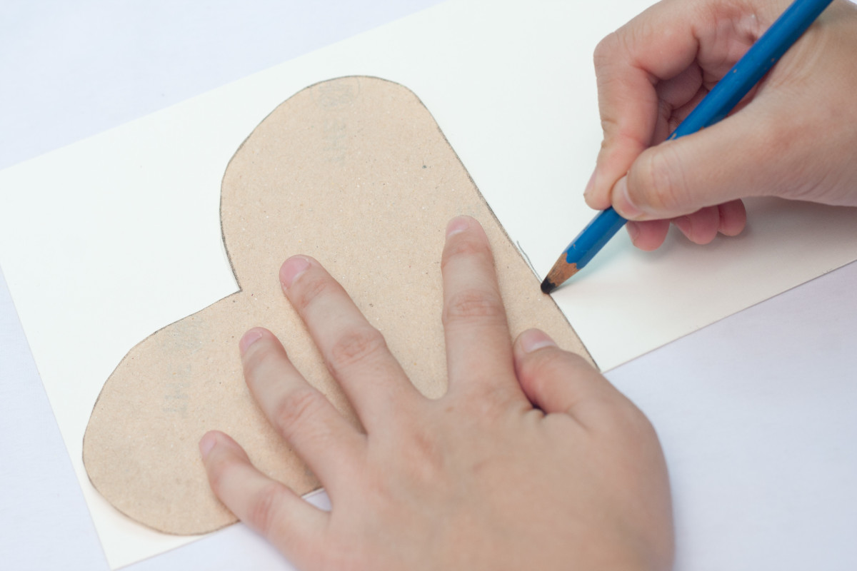 Trace a heart on the cardstock