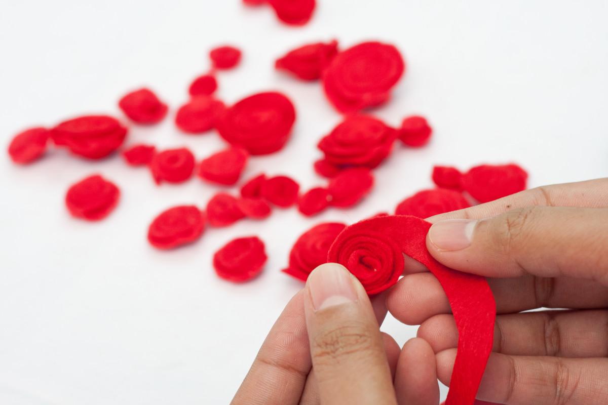 Step 7: Make the rose.