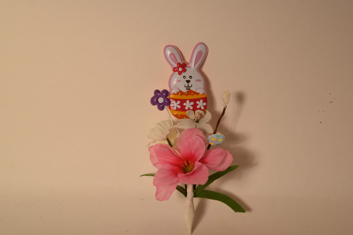A finished Easter Boutonniere