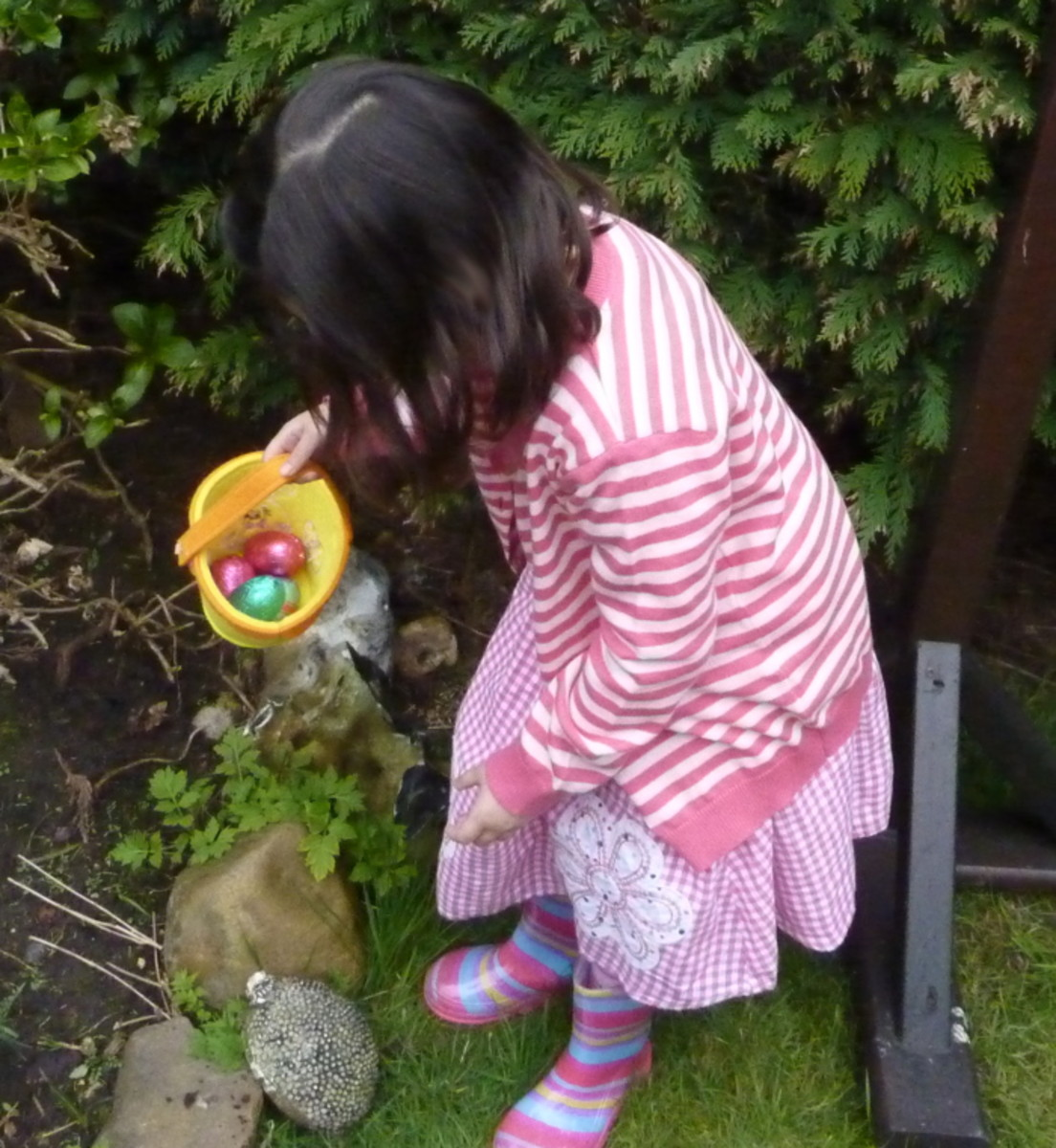 Children can have fun searching for eggs that the Easter bunny left with an egg hunt.